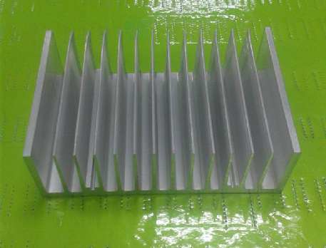 China 140mm Width Aluminum Profile Heat Sink 140mm*44mm