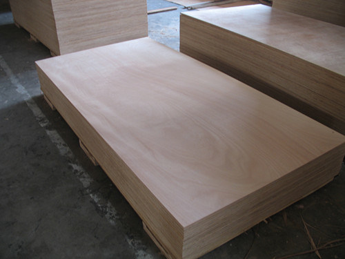 Commercial Plywood for Furniture 1220*2440mm pictures & photos