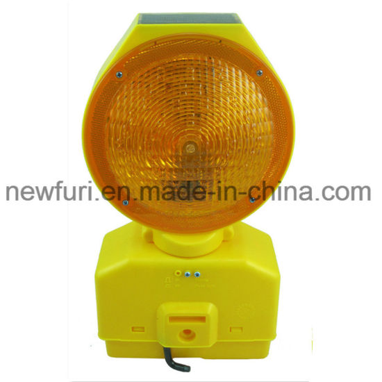 Construstion Barricade Barrier Solar Traffic Warning Light pictures & photos