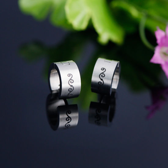 Japan and South Korea Popular Earrings Men Round Ring Ring Ring Ring Rattan pictures & photos
