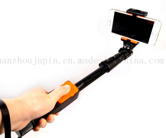 OEM Adjustable Remote Wireless Bluetooth Camera Phone Selfie Stick pictures & photos