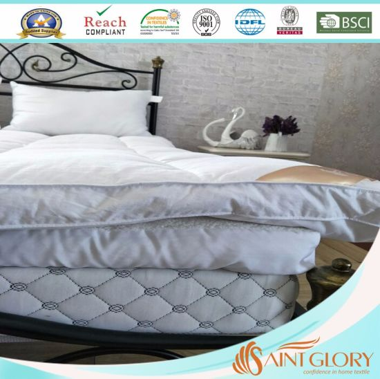 King Sized White Color Mattress Topper pictures & photos