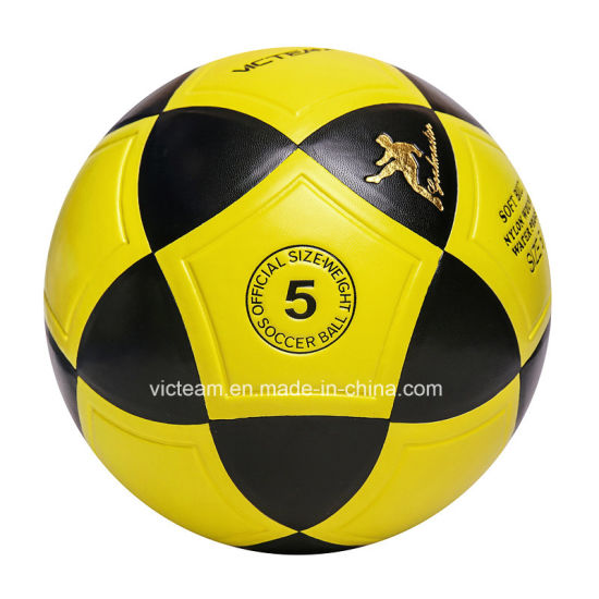 Wholesale Custom Logo Size 5 Training Soccer Balls pictures & photos