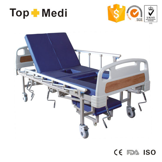 Medical Five-Function with Mattress and Commode Bucket Manual Hospital Bed pictures & photos