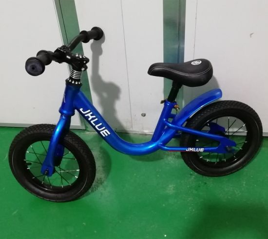 Safe 12inch Carbon Fiber Kids Balance Bicycle for 3 to 6 Years Old Child, Balance Training Bike for Sale pictures & photos