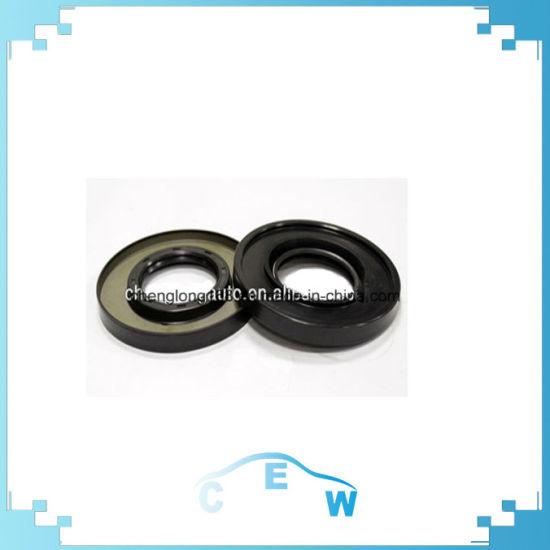 Wheel Hub Oil Seal for Isuzu 6bd1 Engine OEM: 9-09924-470-10 Size:  72-99/105-10 2/15 4