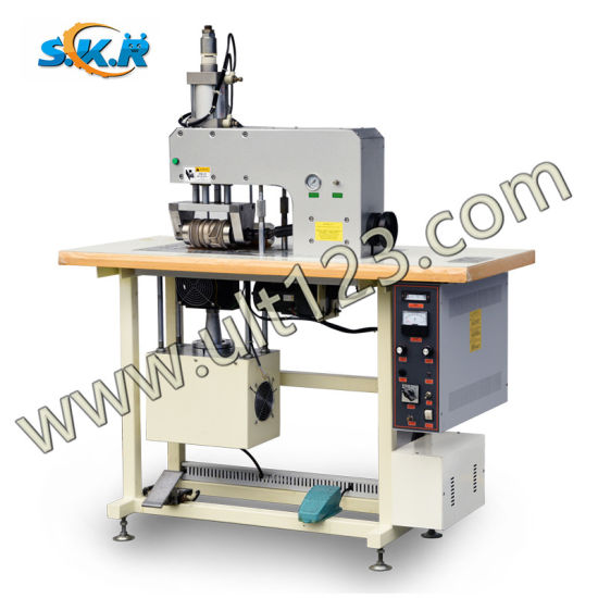 Labor Cost Ultrasonic Lace Sewing Machine in Lace