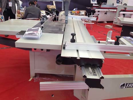 Wood Cutting Panel Saw Machine with 3000 mm Sliding Table pictures & photos