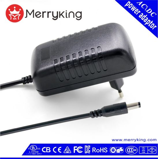 China Universal AC Input DC 12V 3A 36W AC/DC Power Adapter with Ce