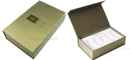 Luxury Debossing Custom Packaging Paper Gift Cosmetic Box pictures & photos