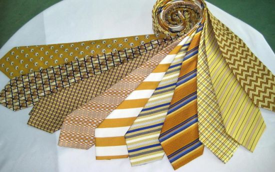 High Quality Men′s Fashion Silk Printed Neckties Group pictures & photos