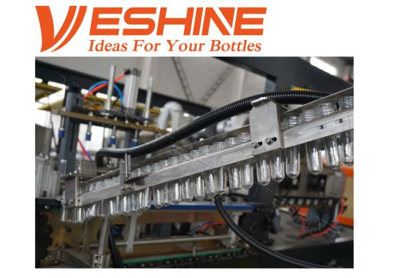 Water/Juice/Carbonated Drink / Soft Drink All Automatic Bottle Blow Molding Machine pictures & photos