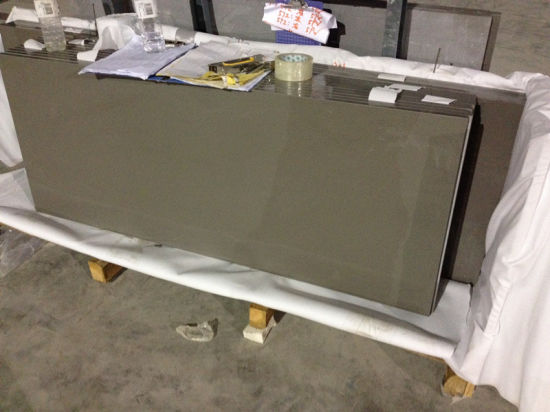 Pure Light Grey Quartz Tops for Kitchen and Bar pictures & photos