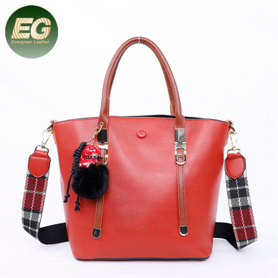 Fashion Handbag Large Capacity Bag with Fur Hair Ball Sh796