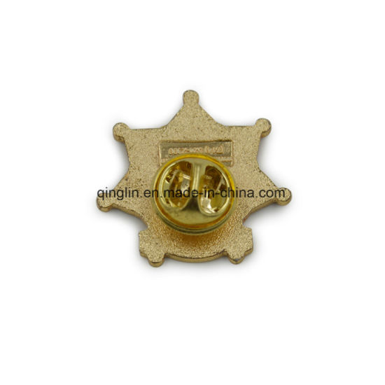 Custom Plating Gold Organization and School Metal Badge pictures & photos