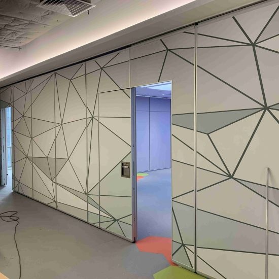 Color Drawing Finish High Soundproof Sliding Partition Wall for Office pictures & photos