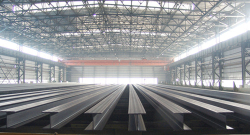 Cold Rolled and Hot Rolled Steel H Beams pictures & photos