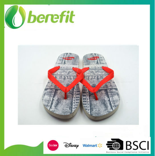 Customize Design Flip Flop Slippers for Women pictures & photos