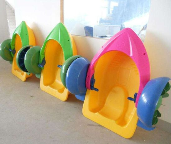 Wholesale Small Plastic Paddle Boat Colorful Kids Hand Boats
