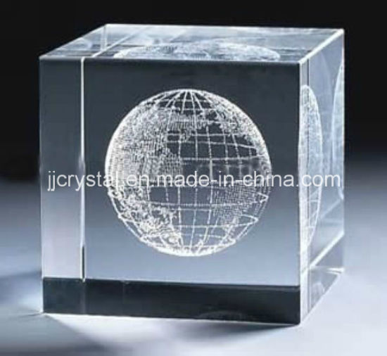 China The Top Facet 3D Laser Engraving Cube for Business Gifts