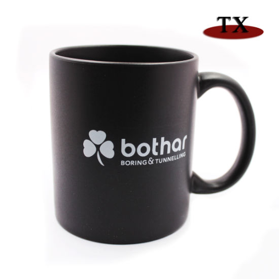 High Quality Promotion Whitle Black Ceramic Cup and Mug with Logo pictures & photos