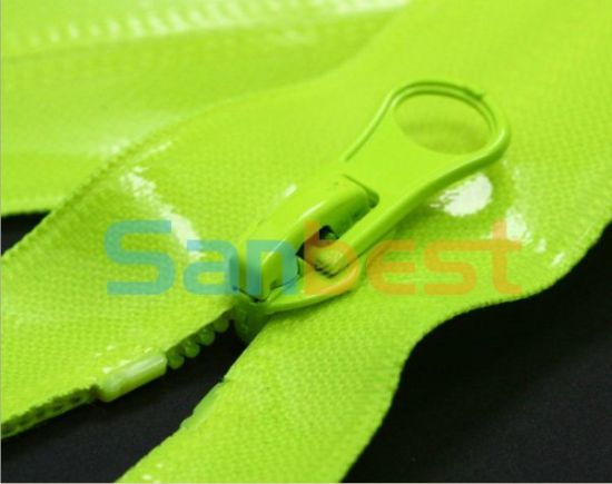 High Quality Waterproof Nylon Zipper for Garments pictures & photos