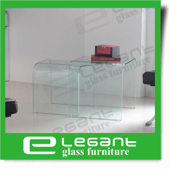 Clear Curved Glass Center Table in 3 Legs pictures & photos