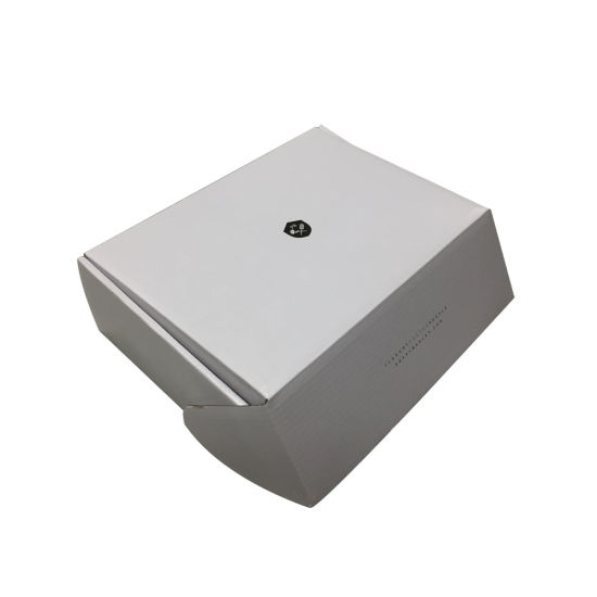 Top Sell Embossing OEM Paper Packaging Color Printing on White Box pictures & photos