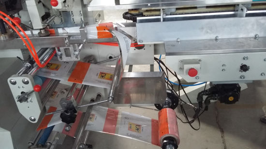 Automatic Long Pasta Weighing Sealing Packaging Machine with 3 Weighers pictures & photos