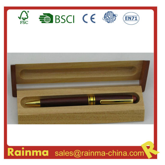 Metal Wooden Pens in Wooden Gift Boxes Are Used for Gift Giving and Office Use