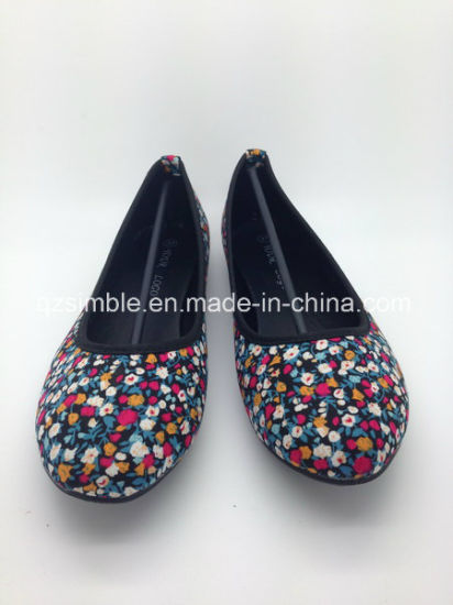 Floral Canvas Flat Ballerinas Ballet Shoes for Lady pictures & photos