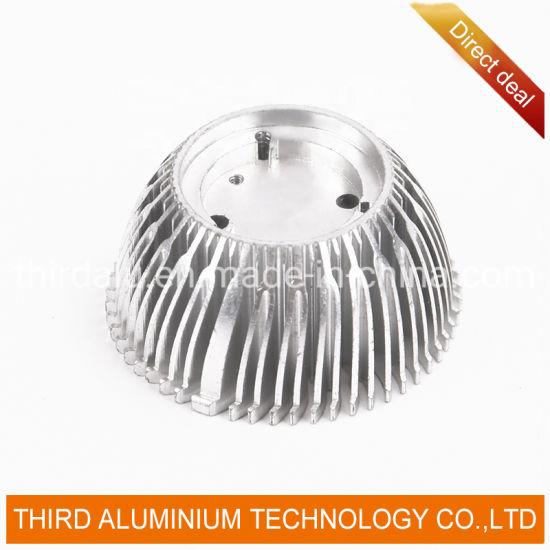 High Performance Auto Radiator Universal Aluminum Steel Car Radiator for E90
