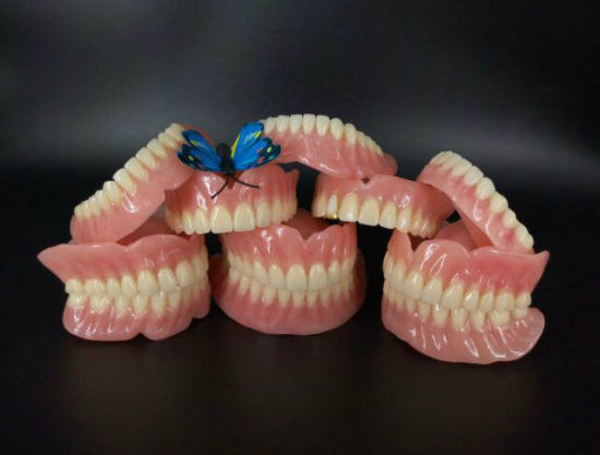 Full Acrylic Denture with Acrylic Teeth Economical Denture pictures & photos