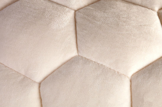Quality Soft Coral Velvet Quilt pictures & photos