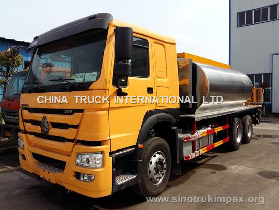Sinotruk HOWO 12m3 6m Sprinkling Width Bitumen Emulsion Spraying Truck pictures & photos
