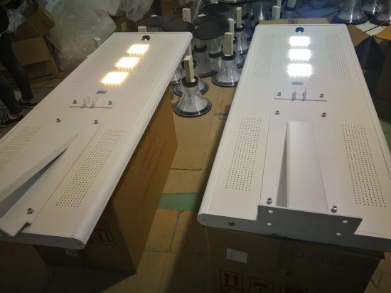 100W Solar Street Lighting LED Street Lamp with High Quality LiFePO4 Lithium Battery