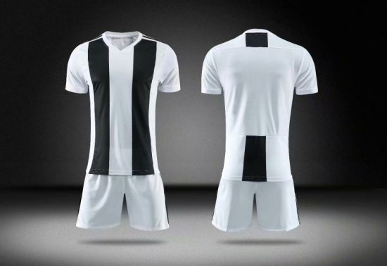 2019 Black and White Plain Soccer Kits with Differen Colors and Designs pictures & photos