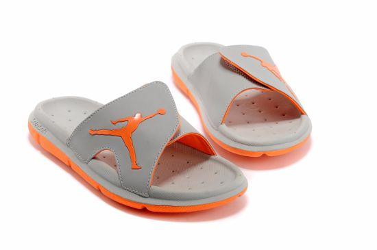 f4a077b31c3 2018 Black Rubber Slide Sandal Slippers Green Red White Stripe Fashion  Design Men Women with Box Classic Ladies Summer Flip Flops