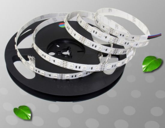 5m/Roll 300LEDs 11.5W/M 5050 SMD RGB Flexible LED Strip pictures & photos