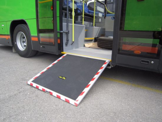 Ce Certified Wheelchair Loading Ramp for Bus with Loading 350kg pictures & photos