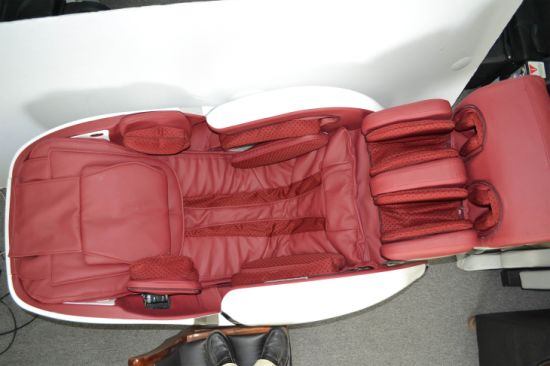 New Model Luxury Zero Gravity Massage Chair with SL-Track pictures & photos