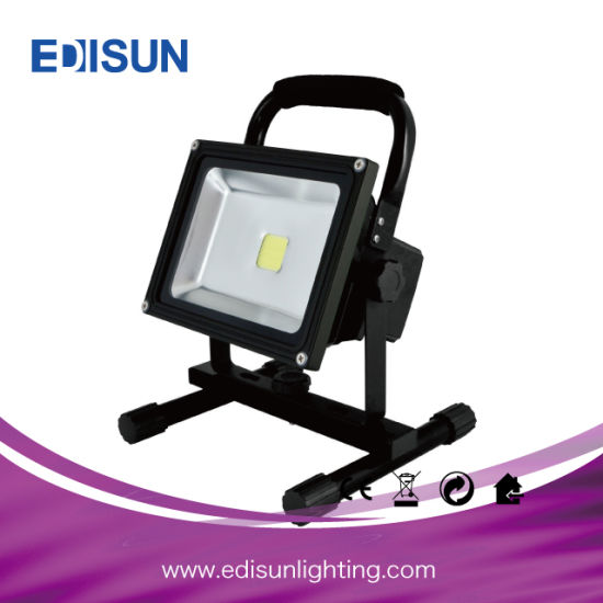 10W Rechargeable Hand Held LED Flood Light for Emergency or Travel pictures & photos