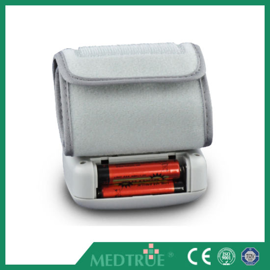 CE/ISO Approved Medical Wrist Digital Blood Pressure Monitor (MT01036031) pictures & photos