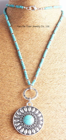 Fashion Round Pendant Necklace Simulated with Turquoise Natural Stone Necklace for Women Gift pictures & photos