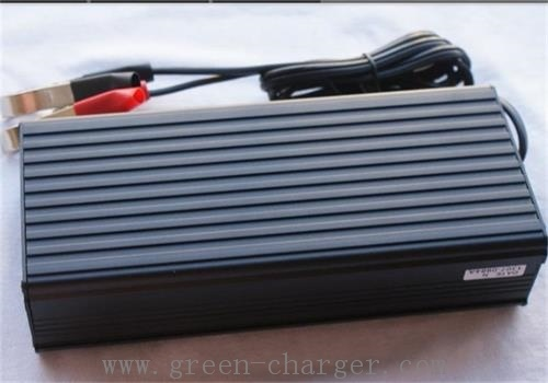 16.8V12A Lipo Car Battery Charger pictures & photos