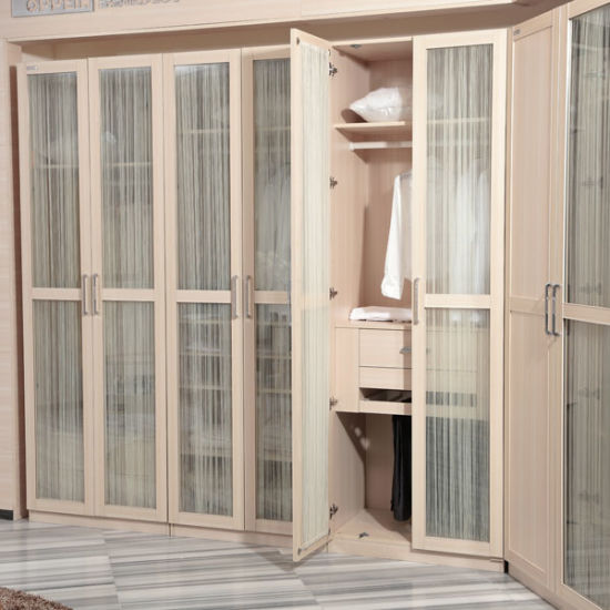 Modern Wholesale Melamine Wooden Bedroom Wardrobe with Glass Doors (YG11328) pictures & photos