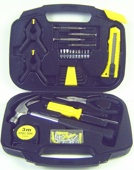 109PCS Tool Set in Blowing Case (FY109B1) pictures & photos