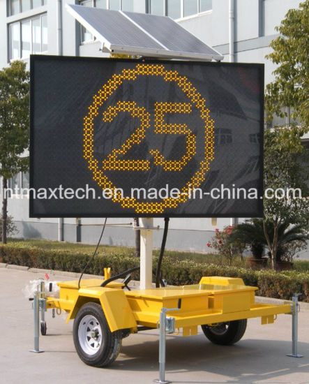 Solar Powered Single Colour Portable Remote-Able Programming Vms Ideally for Traffic Control and Road Safety
