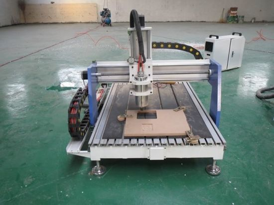 3D Embossment Mini Desktop CNC Router for Crafts pictures & photos