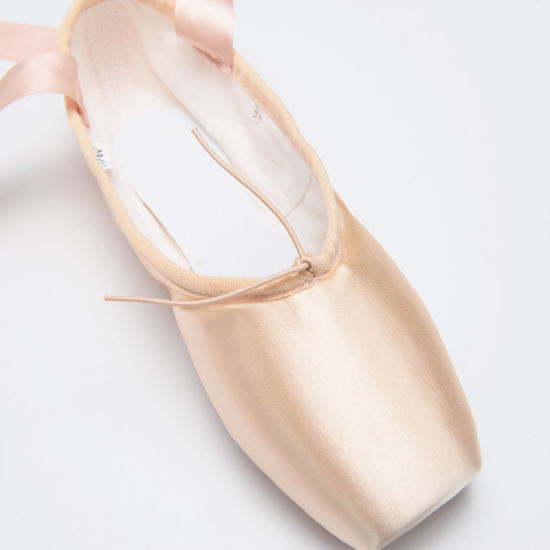 High Quality Factory Sansha Style Satin Professional Ballet Pointe Shoes with Inner Cushio